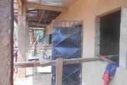 Construction d'un bloc de deux salles de classe avec un bloc toilettes